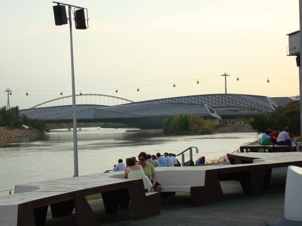 Vista de la rivera del río Ebro desde la Expo del Agua, Zaragoza